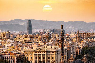 Barcelona en una Photo by Aleksandar Pasaric from Pexels